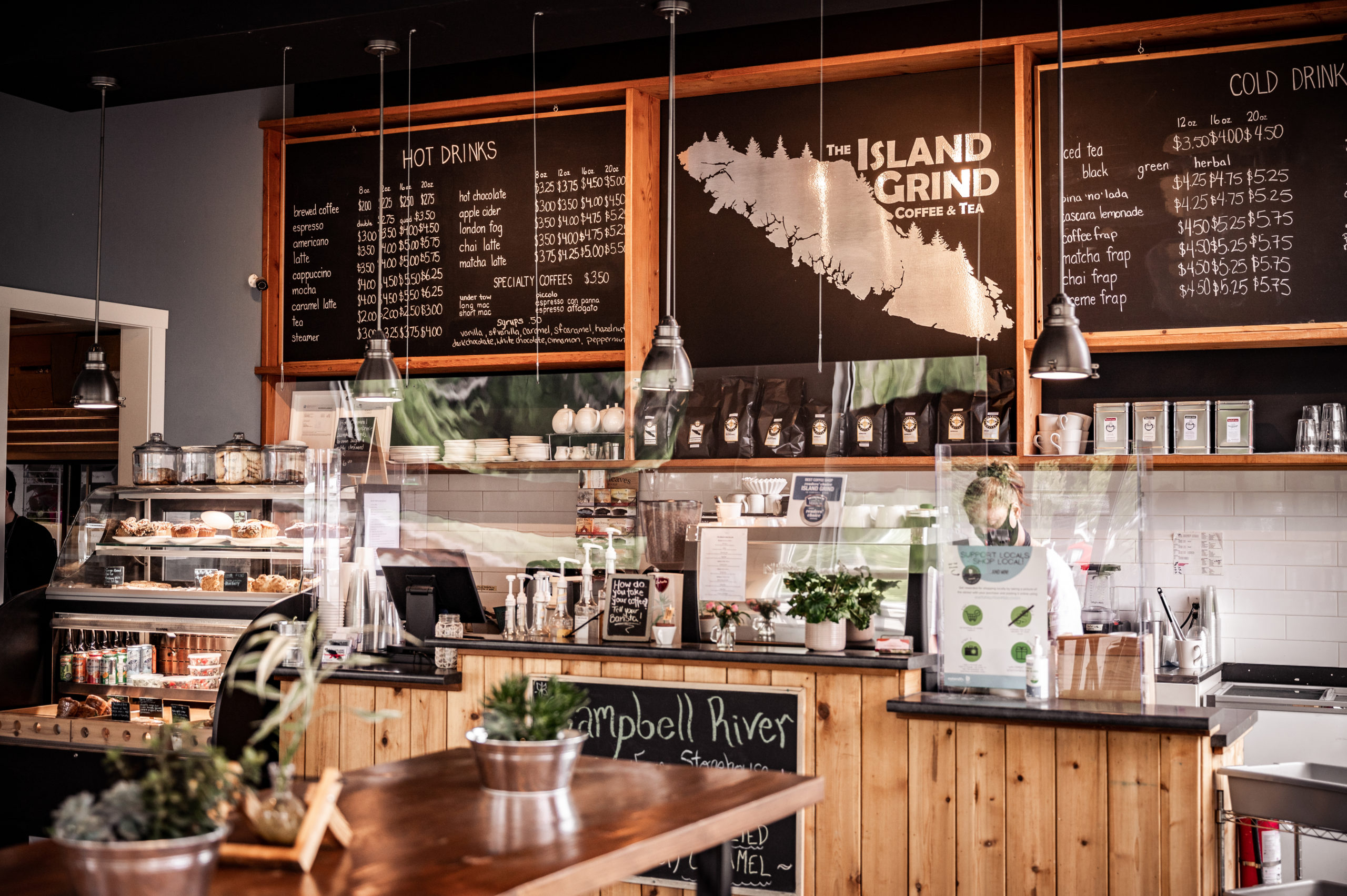Photo by Bluhen Photography taken at the Island Grind Coffee & Tea